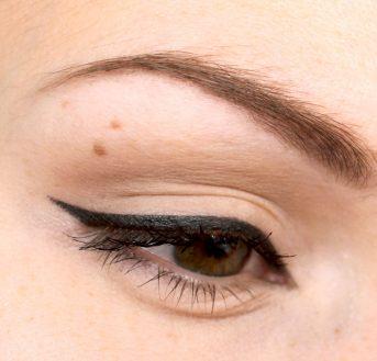 Comment bien mettre son eye liner ?